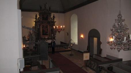 Tjølling kirke med lysekrone fra Nøstetangen